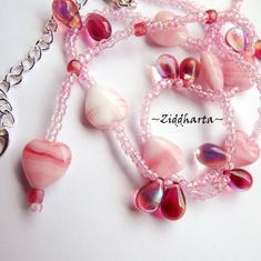 L2:67 Halsband PINK Hearts & Drops glaspärlor Necklace Fuchsia Pink Hearts & Glass Drops Glass beads- Handmade in Sweden