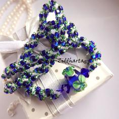 L4:25nn Blue Green - ELECTRIC FLOWER - Cobolt Peridot LampWork Swarovski Crystals Hand sewn Miyuki Glass Beads: Sydda Glaspärlor Halsband / Necklace by Ziddharta
