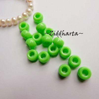 20st NeonGrönt Opaka PONY pärla 9x6mm - Drum Beads XL: PlastPärlor med stora hål