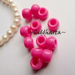 20st NeonRosa Opaka PONY pärla 9x6mm - Drum Beads XL: PlastPärlor med stora hål