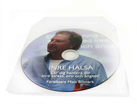 CD med tryk i plasticcover med selvklæbende bagside