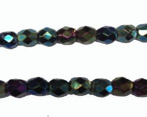 Fasetterad pärla i olika metalic färger, 4 mm. En sträng.