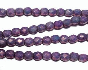 Fasetterade syrenlila opaka pärlor, 4 mm. En sträng.