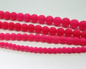 Rund druk tjeckisk pärla, UV Neon Pink, 25123. 6 mm. En längre sträng, 16 cm.