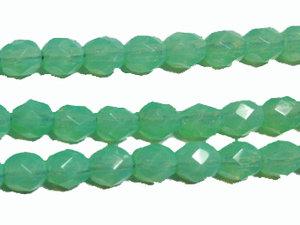 Fasetterad halvopak grönturkos tjeckisk fire polish pärla, 5 mm. En sträng.