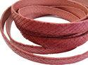 Gammelrosa platt brett läder med ormskinnseffekt, 10 mm brett. Per 20 cm.