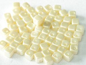 CrissCross Cube, Pastel Light Cream, 25110. 30-pack.
