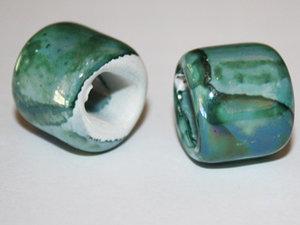 Grön Regaliz keramikpärla, 15*16 mm. 2-pack.