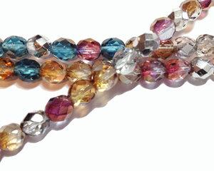Fasetterade runda pärlor i en mjuk mix, 8 mm. En sträng.