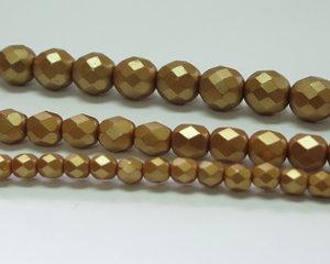 Fasetterade firepolish, Pastel Amber, 25003, 8 mm. En längre sträng, 16 cm.