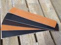 Brunt/naturfärgat brett 30 mm läder med utskurna stripes, 16,5 cm längd.
