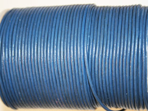 Jeansblått indiskt läder, 2 mm. Per meter.