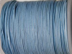Ljusblått indiskt läder, 1 mm. Per meter.