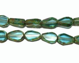 Grönturkos fasetterad pärla med platta sidor, 10*7 mm. En 12 cm sträng.