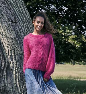 Rätstickad sweater med flätor - Bella