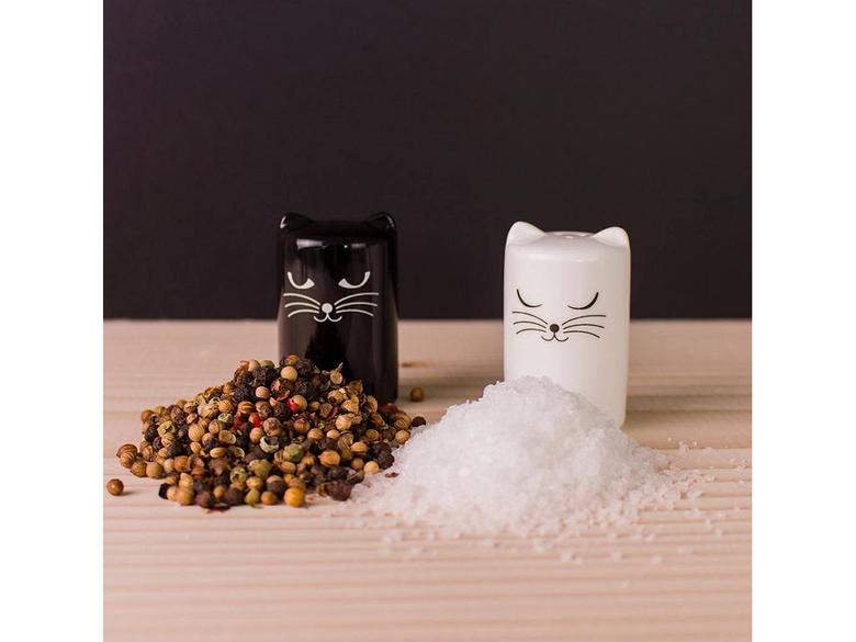 Salt o pepparströare,  katter