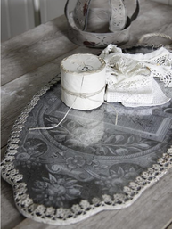 Stor spegel glas mönstart ornament metallkant Jeanne d´Arc Living shabby chic lantlig stil