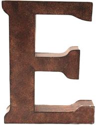 E stor plåtbokstav rostbrun färg industristil