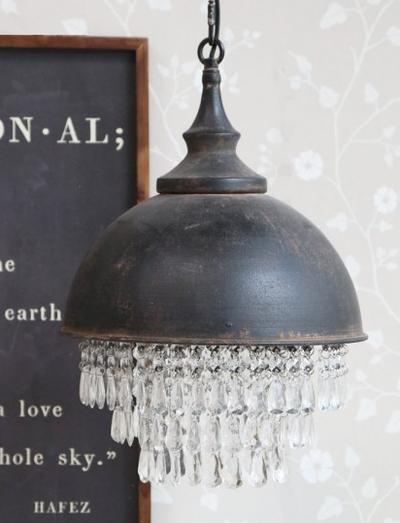 Gammaldags taklampa antik-mörk plåt med prismor tygsladd shabby chic lantlig stil