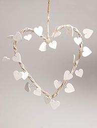 Vitt rottinghjärta med vita trähjärta hjärta shabby chic lantlig stil