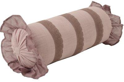 Ljungrosa dimrosa ljusrosa rosa pölkudde kudde med volanger och spets shabby chic lantlig stil