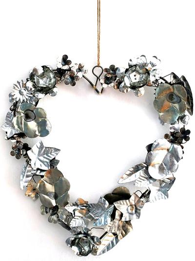 Hjärta handgjort stort i silverfärgad metall