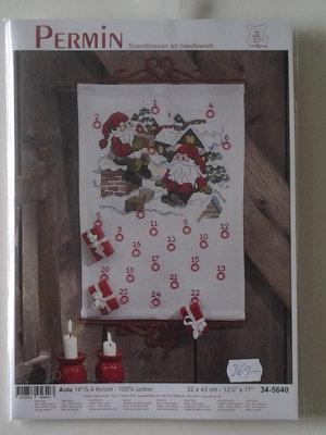"""Julkalender-""""tomtar på taket"""""""