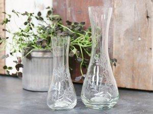 Glasvas med vackra slipningar