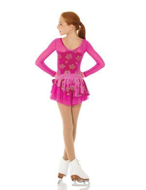 Rosa klänning med asymetrisk kjol
