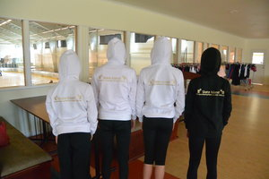 Hoodtröja med Skate Island tryck  - enbart för deltagare på vårt läger