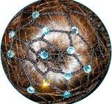 Svarta knutnät med kristaller