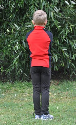 Snygg tvåfärgad pojkjacka med sned dragkedja  från Sagester