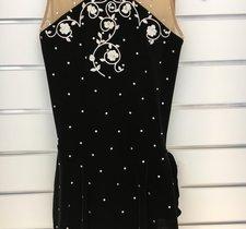 Svart sammetsklänning från Sharene design