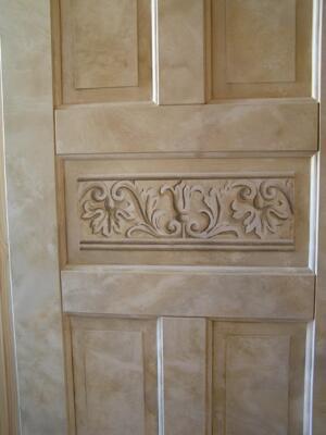 Marmorerad wc-dörr