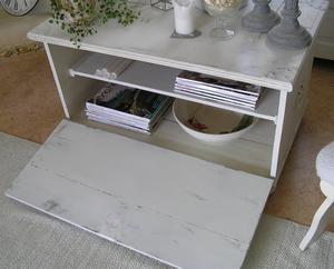 Kista/soffbord med fransk text