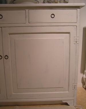 Skänk shabby chic tre lådor och två dörrar