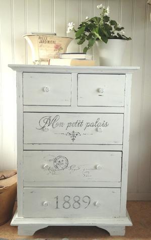 Nätt lantlig shabby chic byrå Mon petit palais