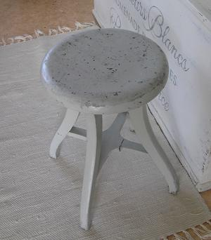 Antik blågrå pall