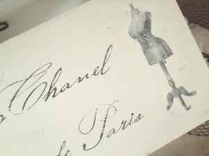 Stor pall Madame Coco Chanel Haute Couture