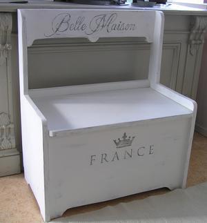 Liten nätt soffa Belle Maison med förvaring