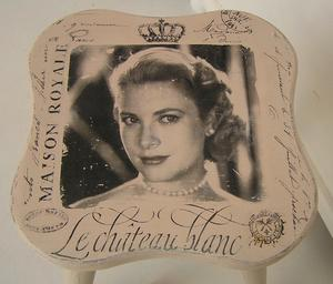 Puderrosa pall Grace Kelly