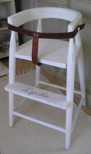 Shabby chic barnstol med text LYCKA