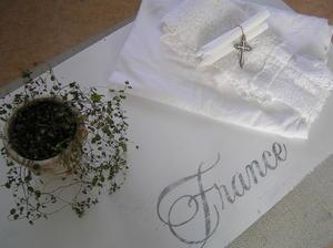 Kista kistbord soffbord med fransk text