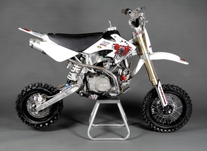 "Constrictor 10"" 125cc"