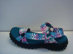 """Resår""  -  sandal.  Superskön med svikt i sulan."