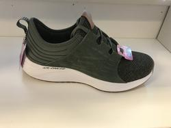 SKECHERS  Womens Skyline, olivgrön mocka och textil. Memory Foam/Air Cooled innersula.