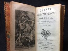 Horatius: Quinti Horatii Flaccii poëmata scholiis sive annotationibus, instar commentarii, illustrata à Joanne Bond. Editio nova.