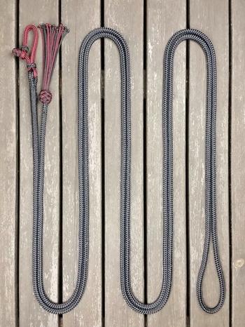 Ledrep med repfäste och tofs - 10 mm