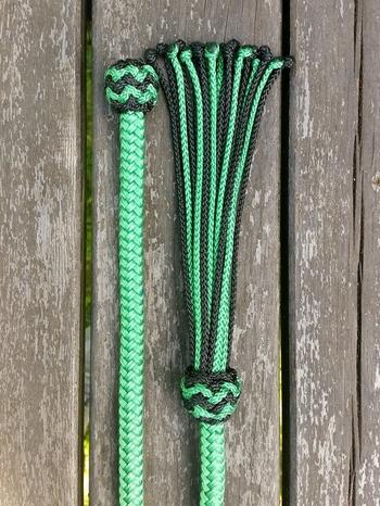Mecatetygel med ändknop och tofs - 10 mm, 6,70 m, Grön