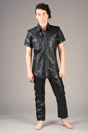 Short-sleeved leather shirt